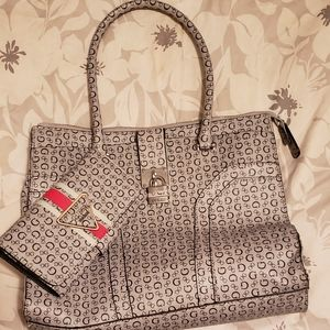 Guess tote bag and wallett
